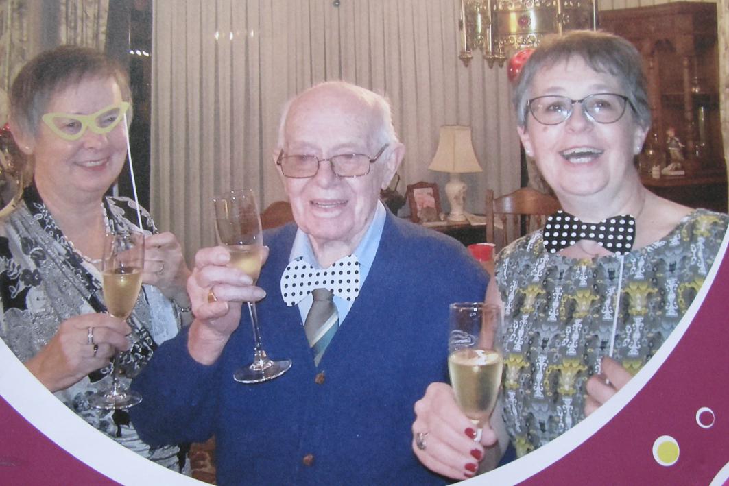Louis met 2 dochters2